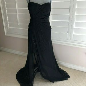 Black evening long dress with sweetheart neckline